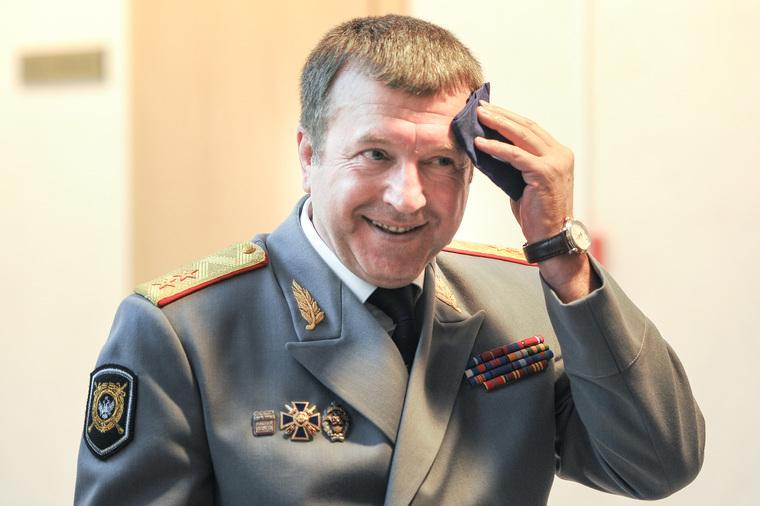 Извиняющийся за подчиненных генерал возглавил воронежскую полицию