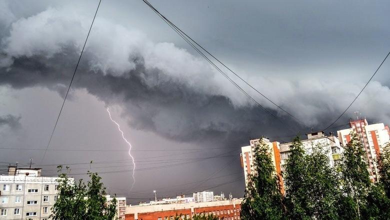 О ливне с грозами и градом предупредили в воронежском МЧС