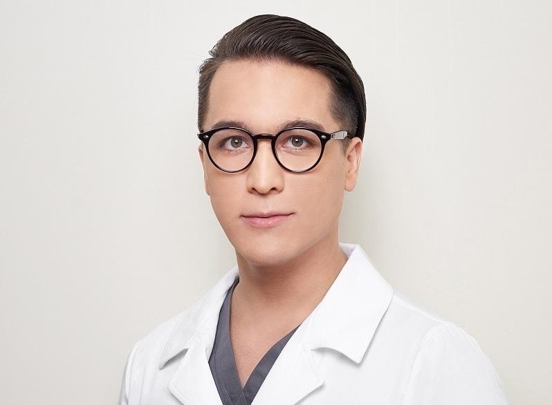 В прямом эфире на вопросы ответит один из лучших пластических хирургов Черноземья Тимур Хайдаров