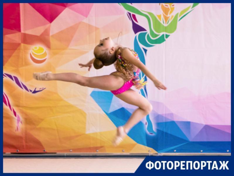 Юные гимнастки эффектно выступили в Воронеже