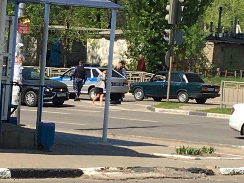 Воронежцы рассказали о наезде полицейской машины на женщину-пешехода