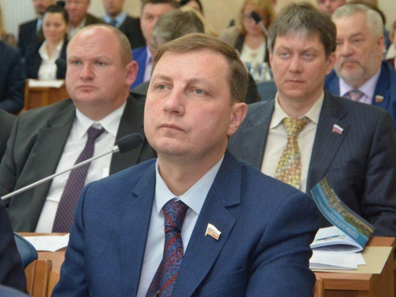 Доход вице-спикера Воронежской горДумы Алексея Пинигина рухнул в два раза