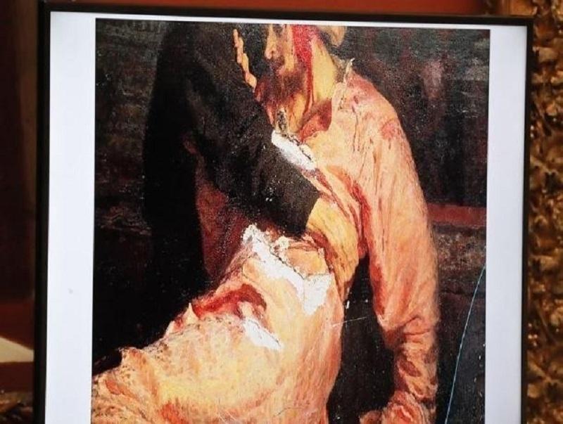 Сбербанк помогает реставрировать картину Репина, атакованную воронежцем Игорем Подпориным