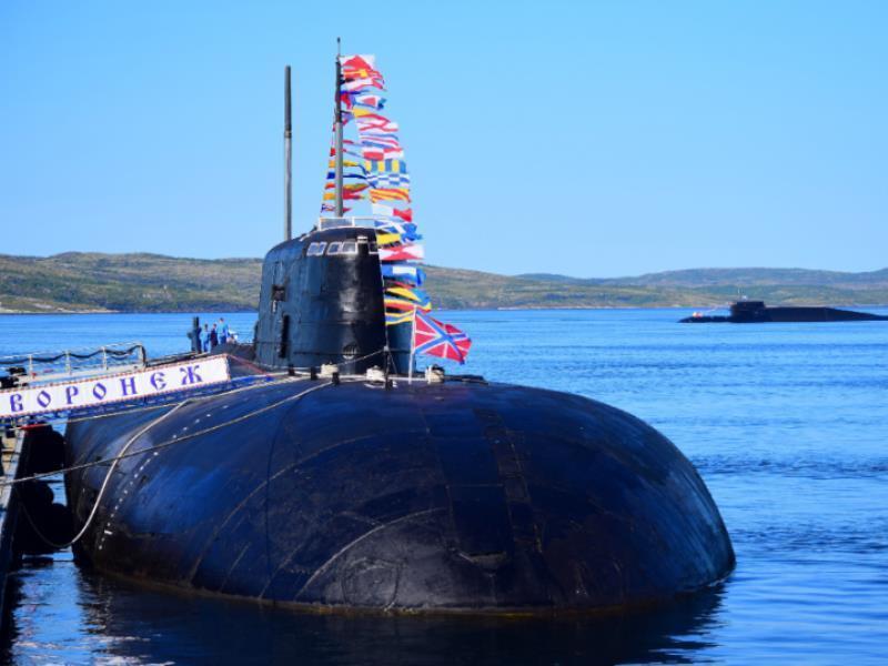 Губернатор Гусев посетил подводную тезку Воронежа в Мурманской области