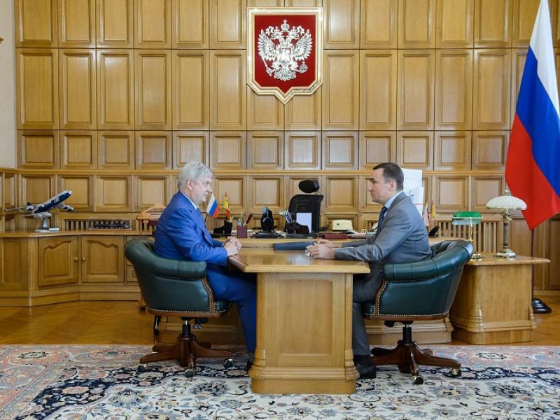 Александр Гусев провел рабочую встречу с Евгением Хаминым