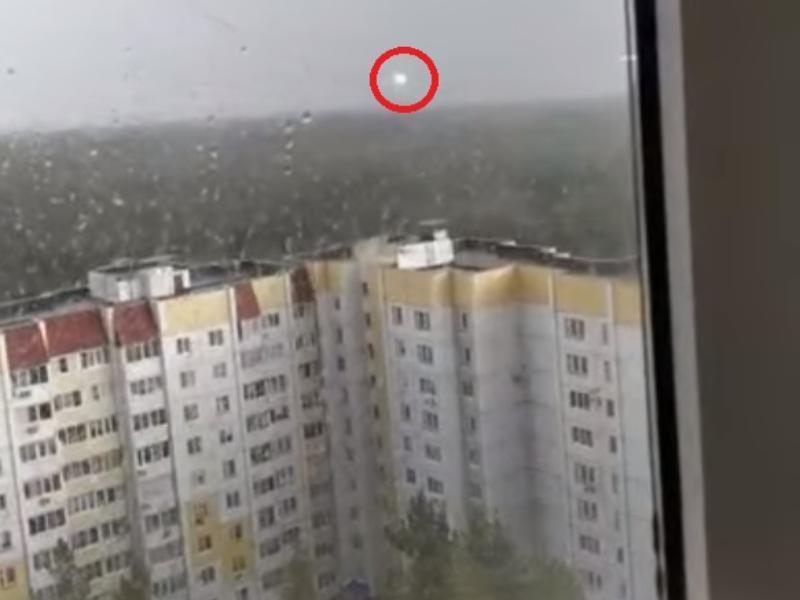 Странный огненный шар в небе над Воронежем попал на видео