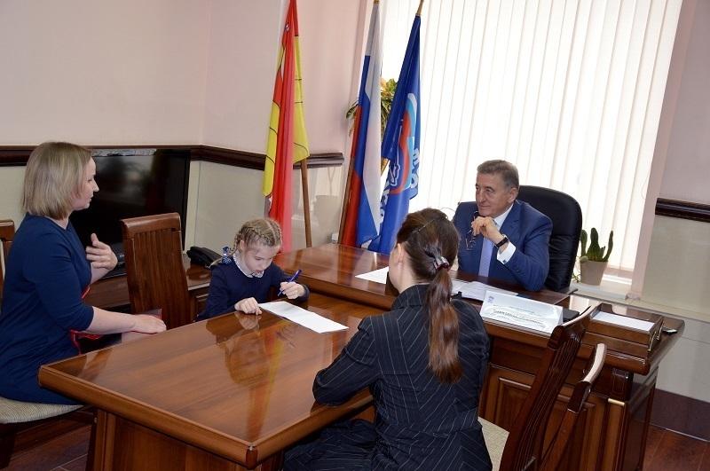 Наша задача – найти эффективное решение проблем жителей, - сенатор Лукин