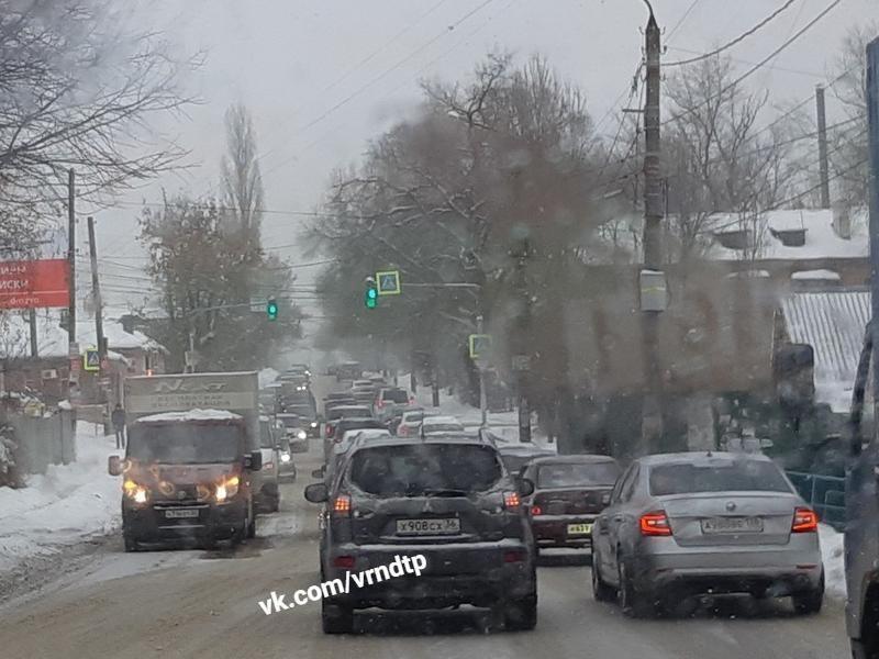 Причину вечерней пробки в Северном сняли в Воронеже