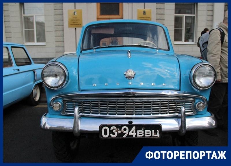 Шик начищенных до блеска ретро-автомобилей показали в Воронеже