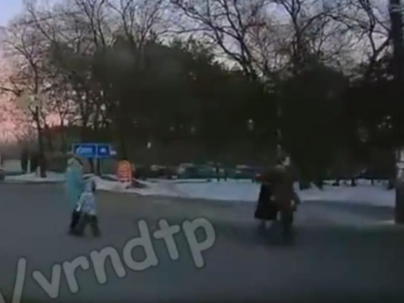 Бесстрашную мать - нарушительницу сняли в Воронеже