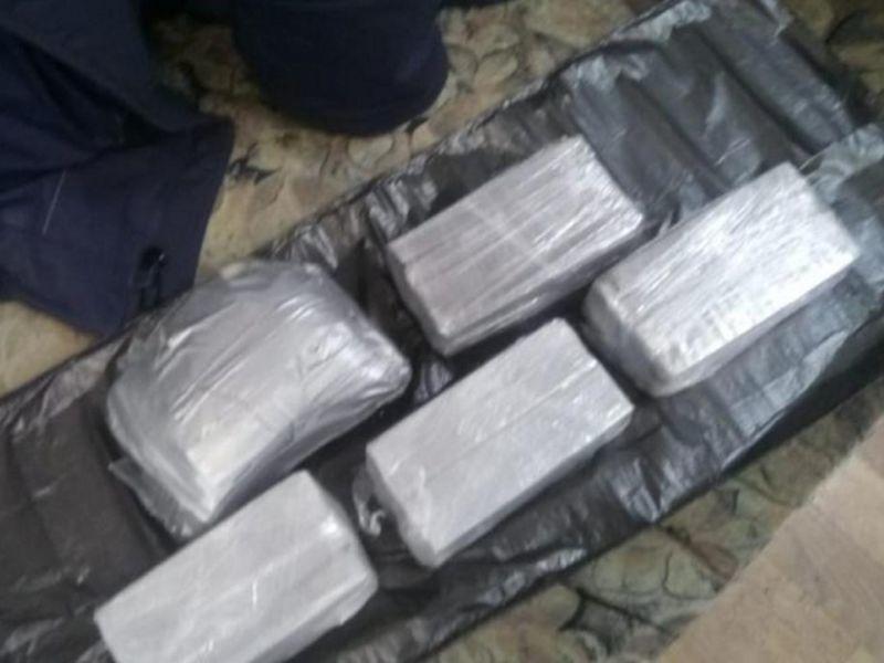 С помощью магнитов воронежцы собирались продать 6 кг наркотиков