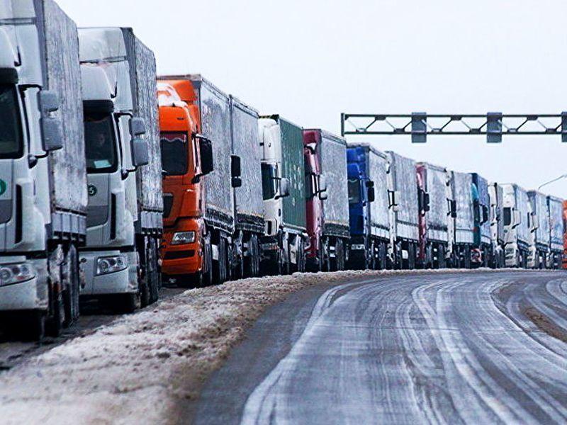 В областях Российской Федерации проходят стихийные забастовки дальнобойщиков