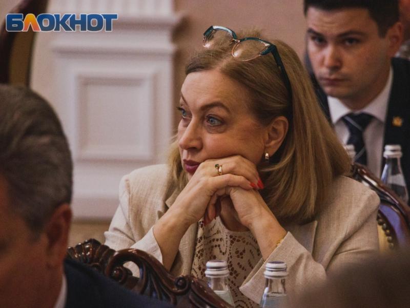 На великолепные дворцы пожаловалась вице-губернатору глава воронежского управления ЗАГС