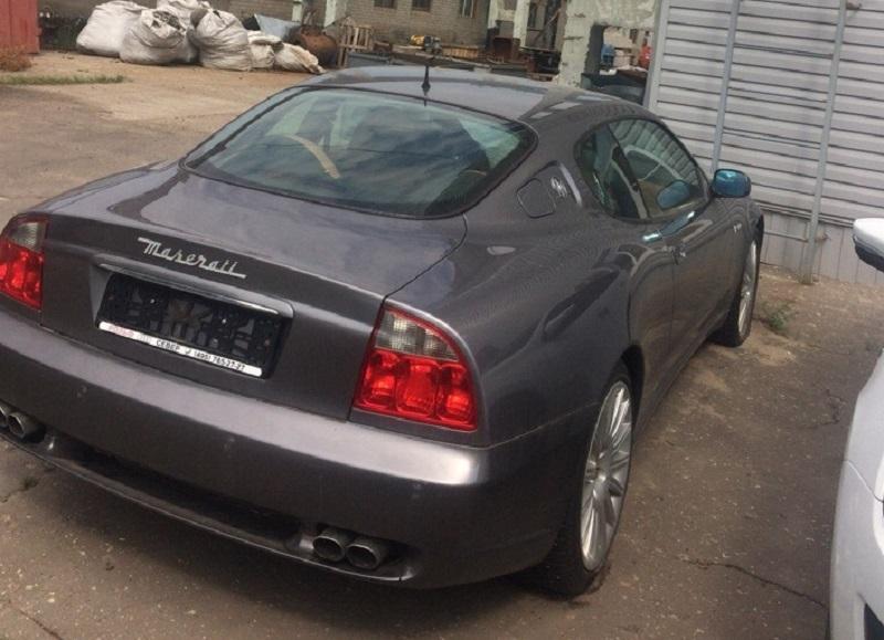 Брошенный хозяином Maserati Coupe нашли на Дорожной в Воронеже