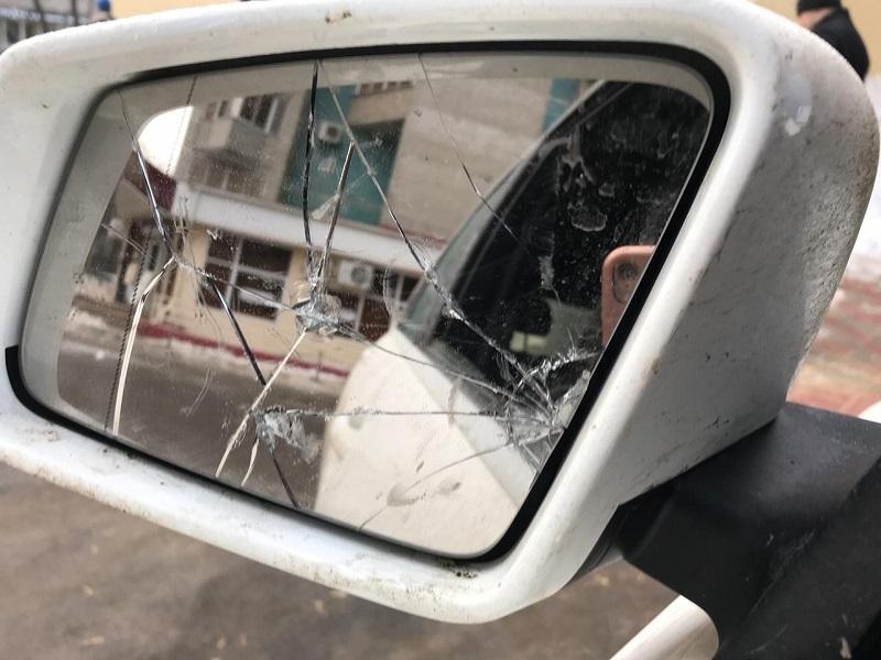 Недовольные парковкой воронежцы разнесли Mercedes девушки с онкологией