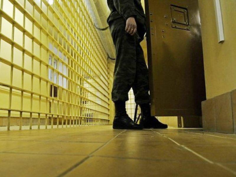 За наркотики сотрудник воронежской колонии сам оказался за решеткой