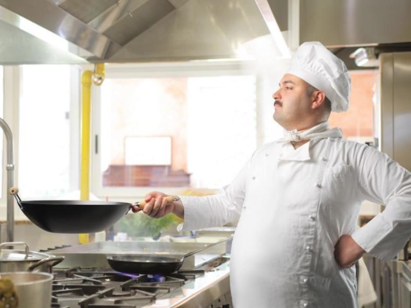 Стало известно, сколько зарабатывает повар в Воронеже