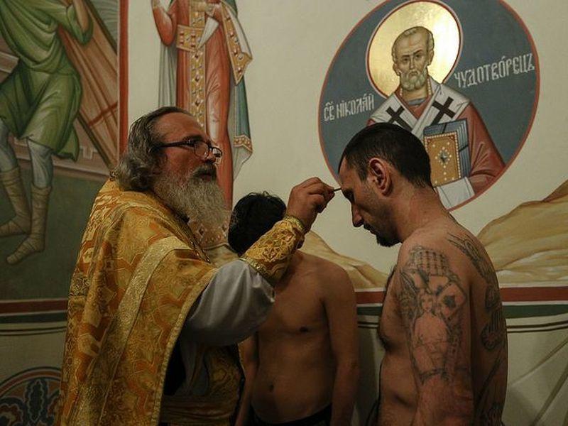 Воронежские зеки будут изготавливать церковные свечи и утварь