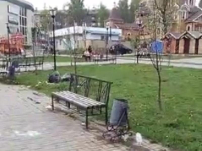 В помойку превратили территорию у храма перед Пасхой в Воронеже