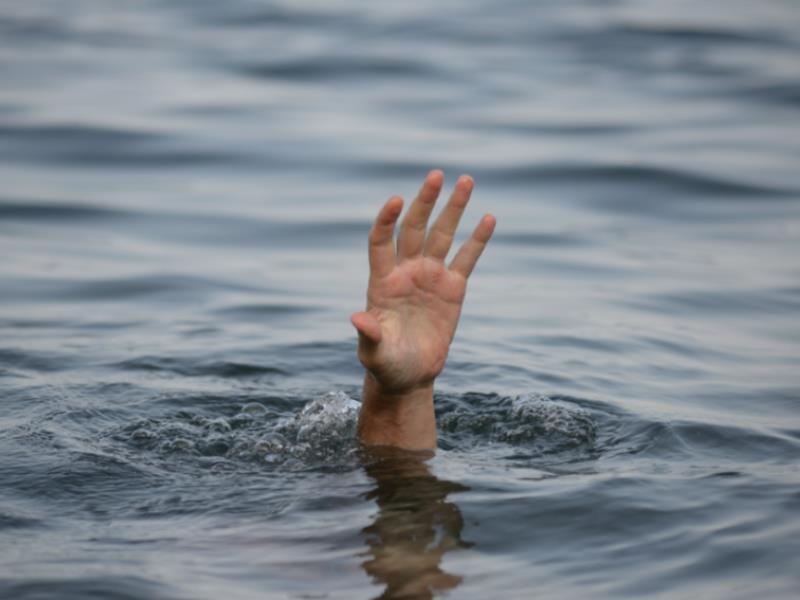 Тело 16-летнего утопленника разыскивают в реке под Воронежем