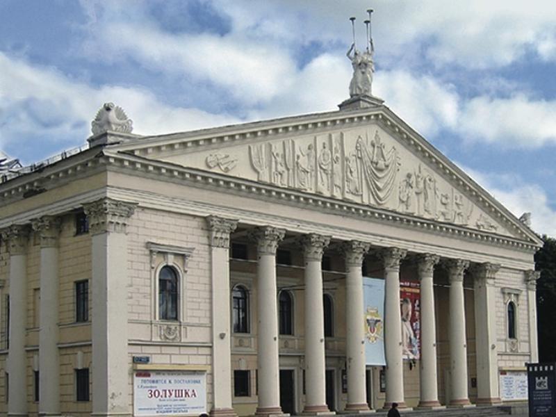Крышу Воронежского театра оперы и балета попытаются вновь отремонтировать за 3,6 млн