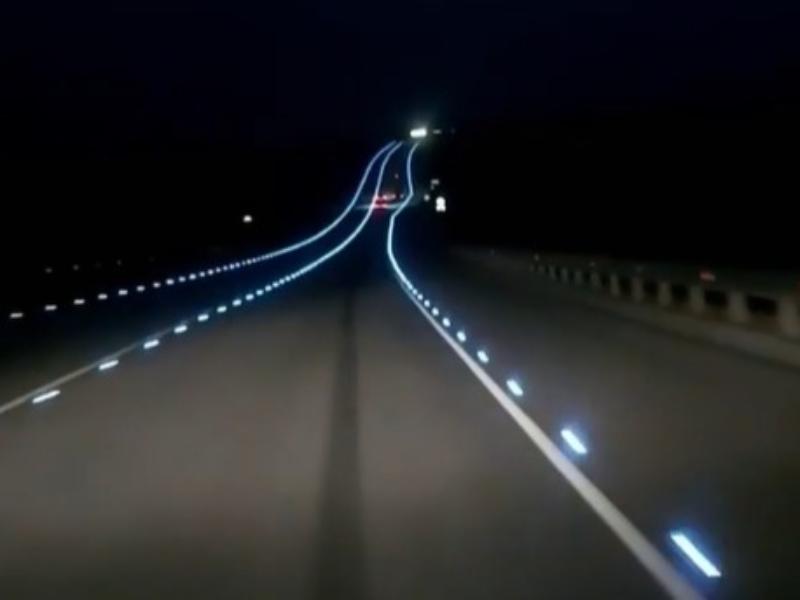 Подмигивающую водителям дорожную разметку показали под Воронежем