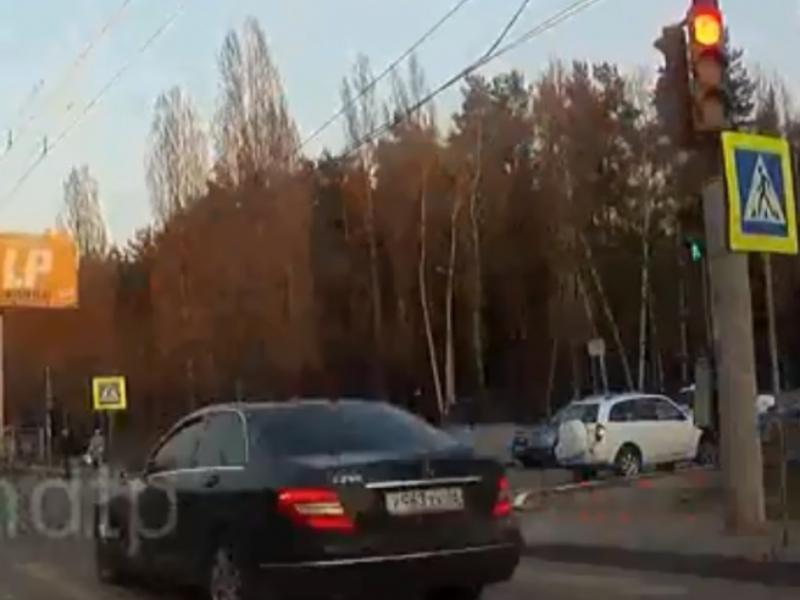 Воронежца на Mercedes оштрафовали после видео с лихачеством в интернете
