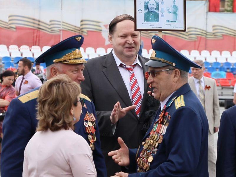 Высшие чиновники и губернатор отстранились от воронежцев на акции «Бессмертный полк»