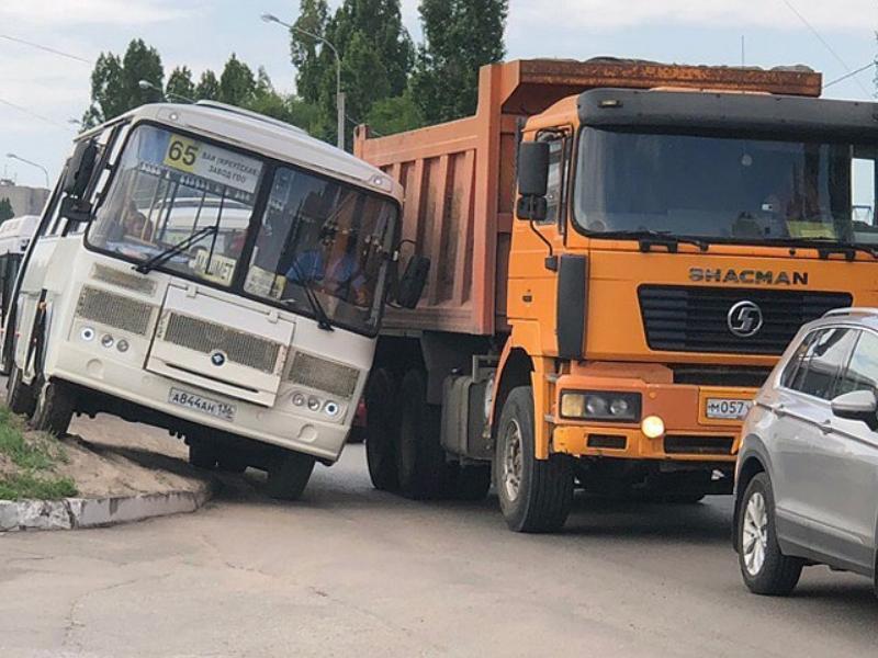 Читатели кормящихся от власти СМИ выступили за повышение проезда в Воронеже