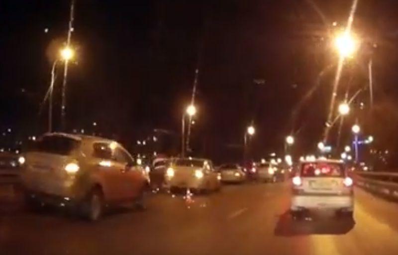 На «мосту вникуда» вВоронеже 20 авто попали вДТП