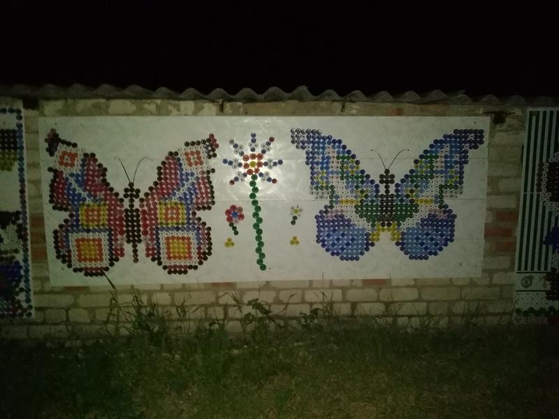 Чудесную мозаику из пивных крышек создал воронежец