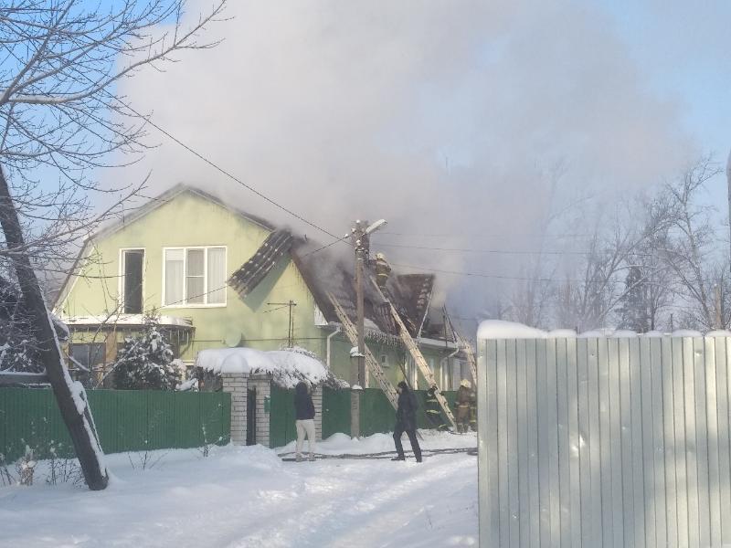 Масштабный пожар в воронежском Сомово попал на фото