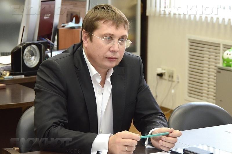 Ректор Ендовицкий ответил профессору Сапунову о зарплатах в ВГУ