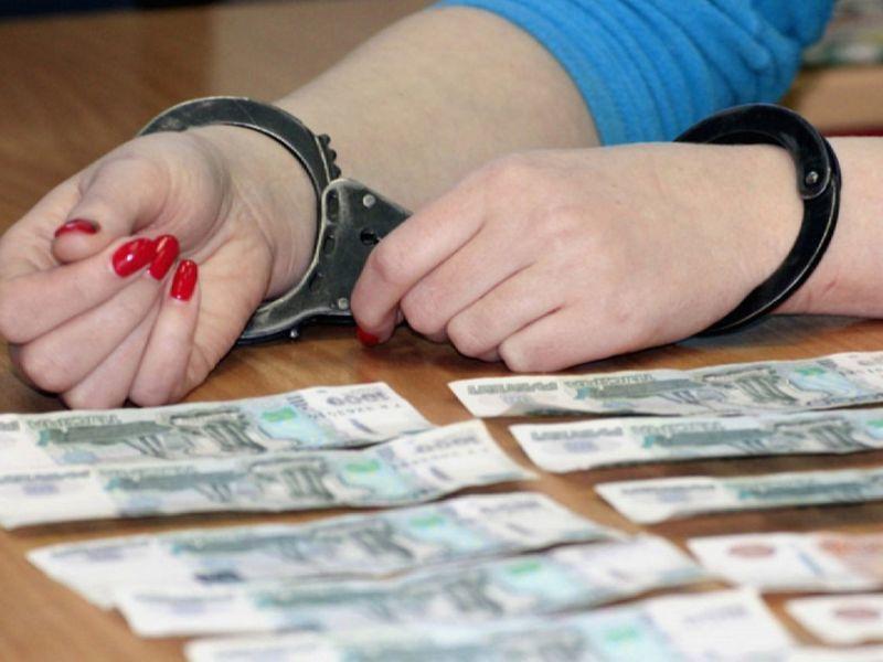 В Воронеже осудят чародейку, обманувшую престарелую женщину на 259 тыс рублей