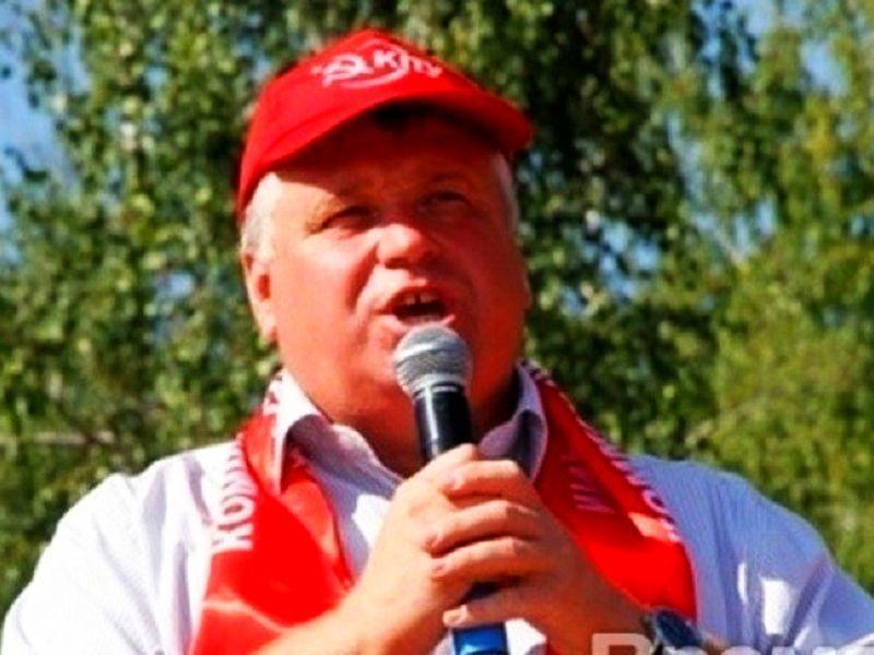Народный доход показал воронежский депутат-коммунист Андрей Рогатнев