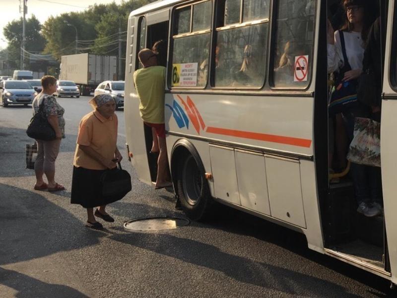 Перевозчики играют на комфорте пассажиров ради сохранения маршрутов в Воронеже