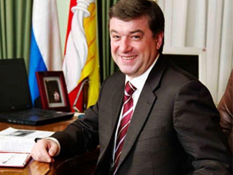 Супруга «родноворонежца» Колиуха за год обеднела на 8,2 млн рублей