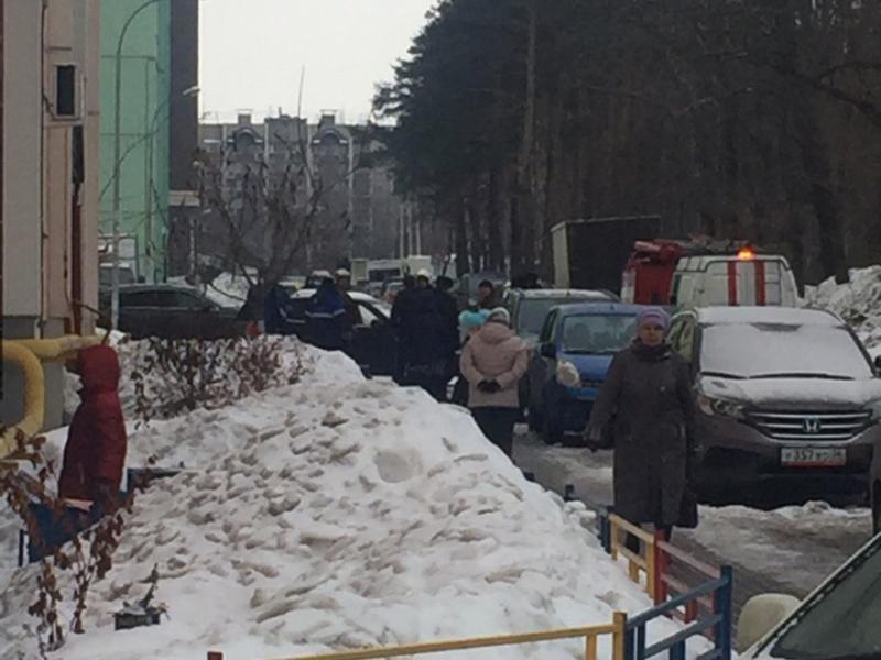 В Воронеже жители многоэтажки эвакуировались из-за утечки газа