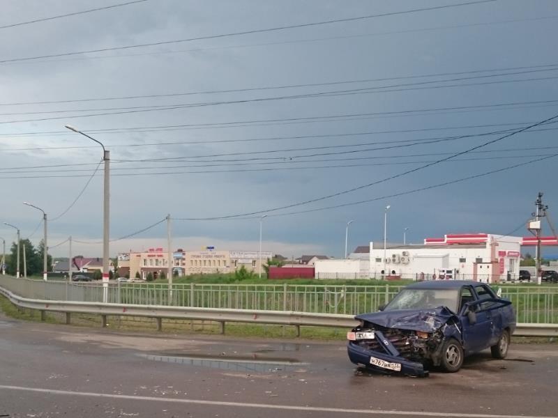 Опубликованы снимки с места ДТП с четырьмя пострадавшими