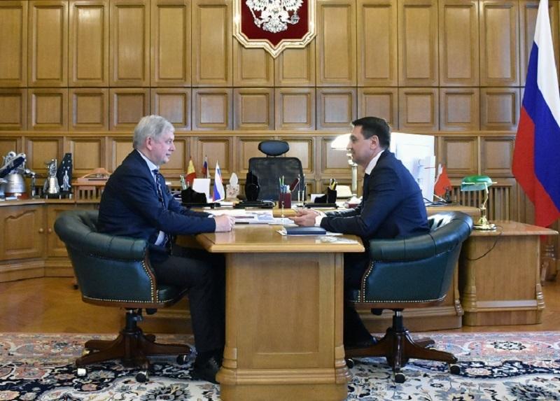 Губернатор Гусев в непростое время встретился с Андреем Марковым