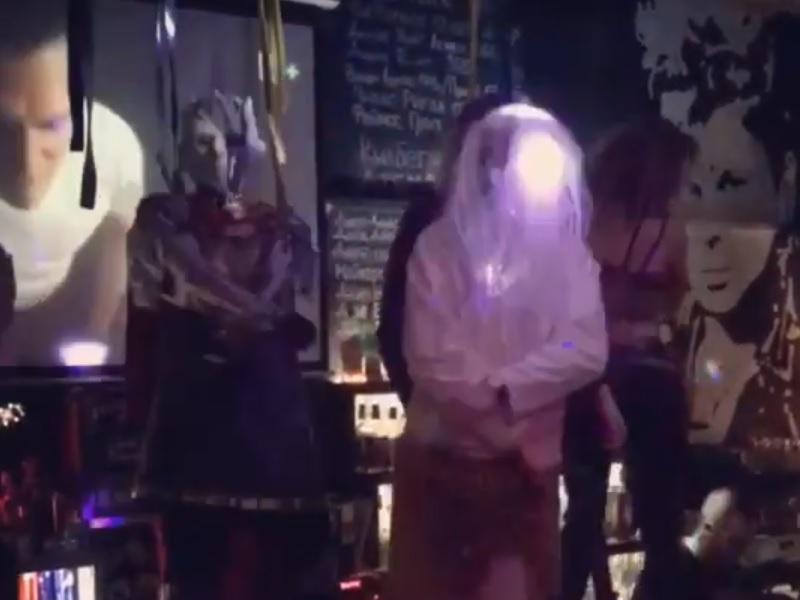 Главный злодей «Игры престолов» отжёг на барной стойке в Воронеже