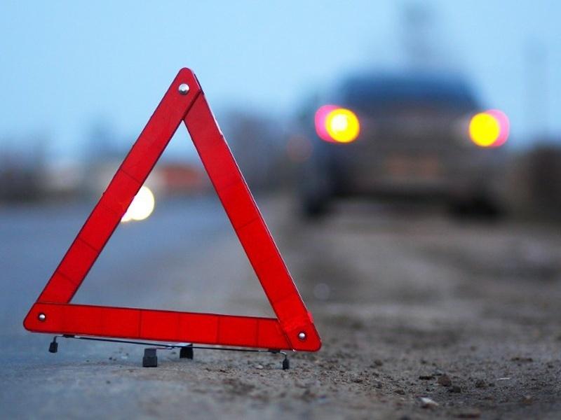 Три человека пострадали в ДТП со столбом в Воронеже