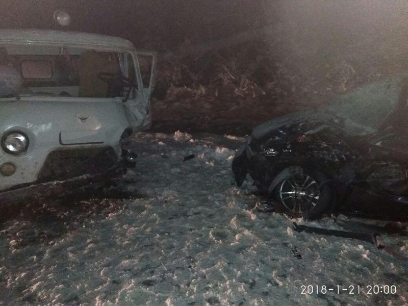 Опубликованы снимки с места ДТП с пятью пострадавшими на воронежской трассе