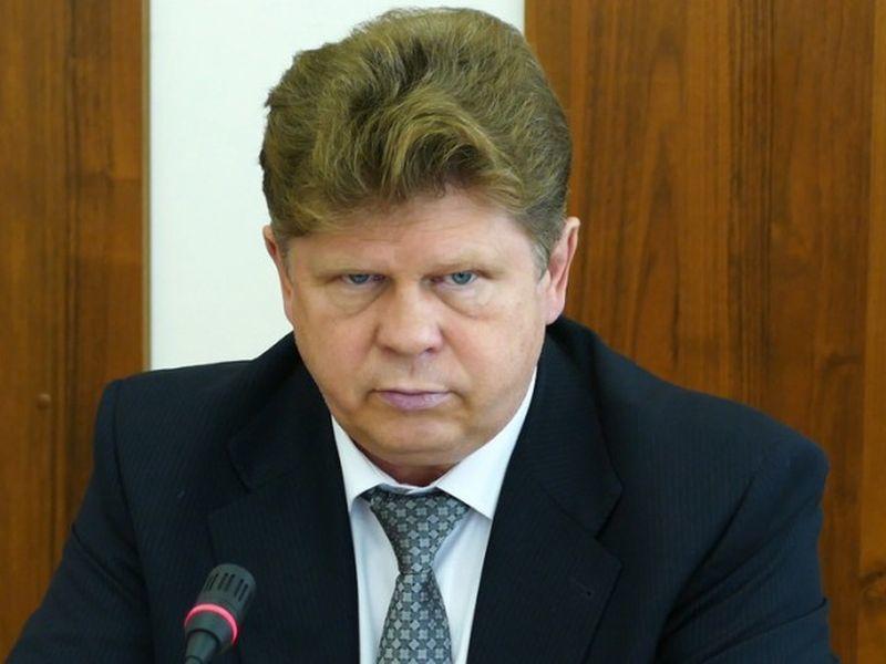 Главврач Борисоглебской ЦРБ и депутат Коробов меняется с женой недвижимостью