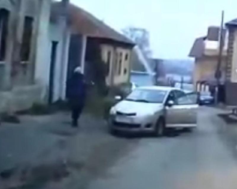 Побег иномарки от автомобилистки с уроном сняли на видео в Воронеже