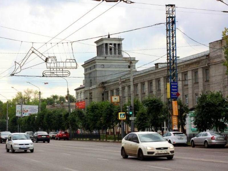В Воронеже продали часть бывшего экскаваторного завода за 81,5 млн рублей