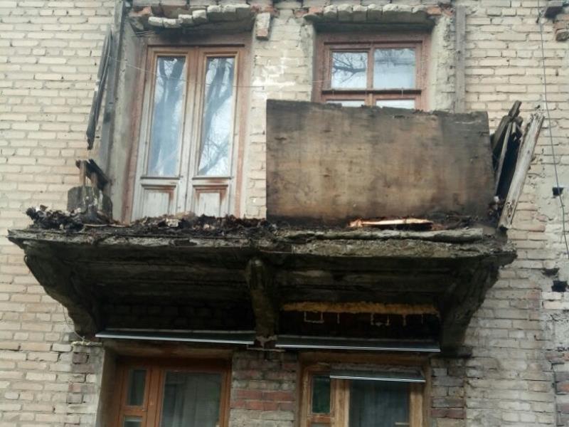 Рассыпающийся на части дом нашли в Воронеже
