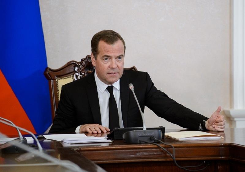 Визит премьер-министра Медведева поднял акции губернатора Гусева