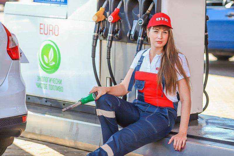 Мечтающая о Porsche Виктория Беляева в конкурсе «Мисс Блокнот Воронеж-2018»