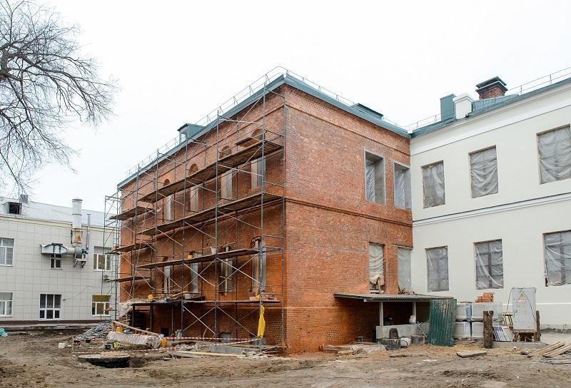 Губернатор проконтролировал реставрацию Дома Вигеля, отданного под поликлинику в Воронеже